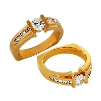 Кольцо из золота c цирконием Сваровски