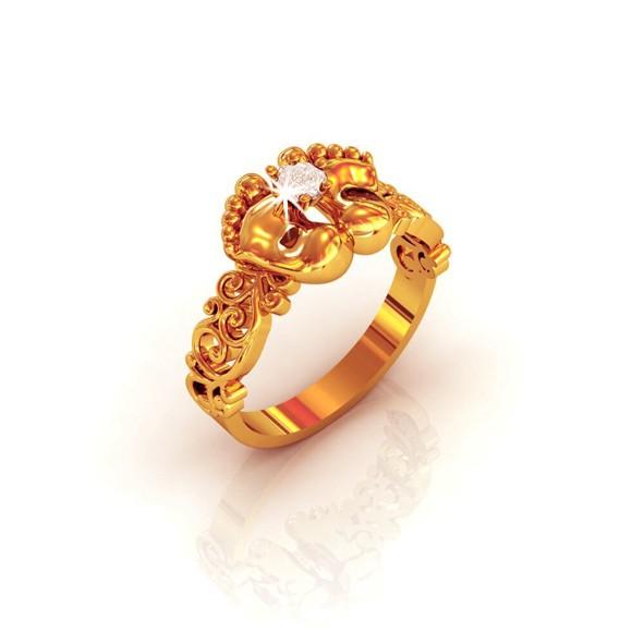 Кольцо Детская ножка из золота с бриллиантами